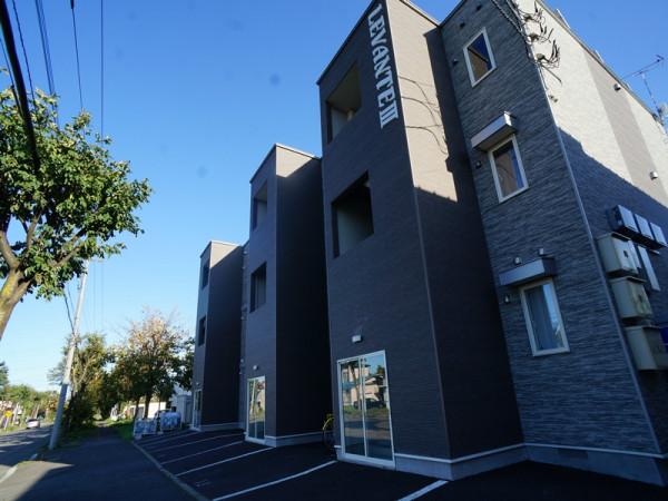 北海道帯広市のウィークリーマンション・マンスリーマンション「レヴァンテⅢ」外観画像