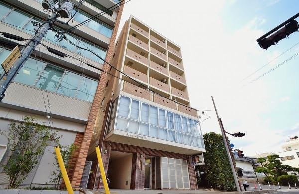 岡山県岡山市北区の家具付き賃貸「Castle Side」外観画像