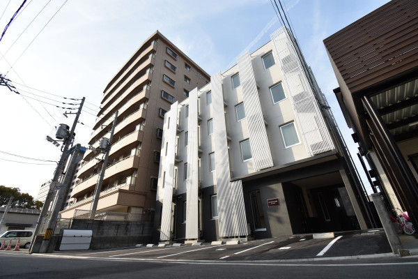 清輝橋駅(岡山電軌清輝橋線)の家具付き賃貸「KsB岡山医大」外観画像