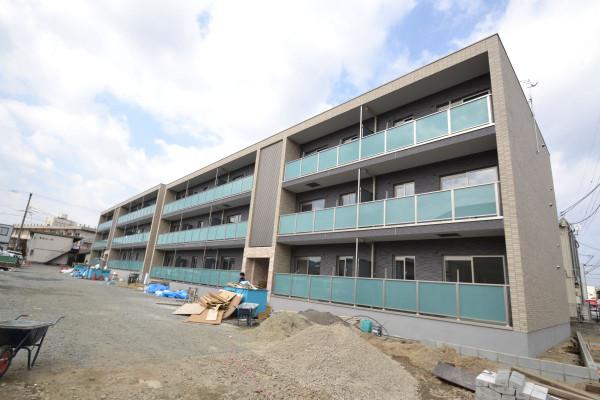 広島県福山市の家具付き賃貸「ザ・コモド草戸」外観画像