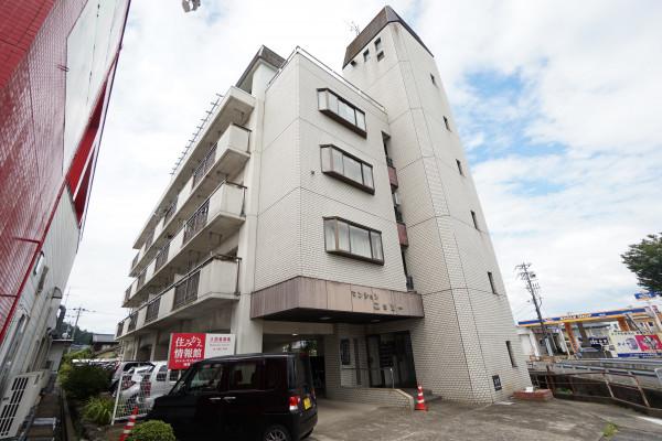 福井のウィークリー・マンスリーマンション「マンション ニッソー」外観画像