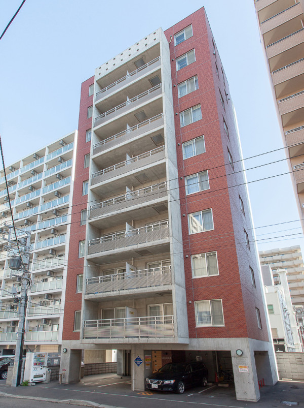 北海道の家具付き賃貸「LEE北3条」外観画像