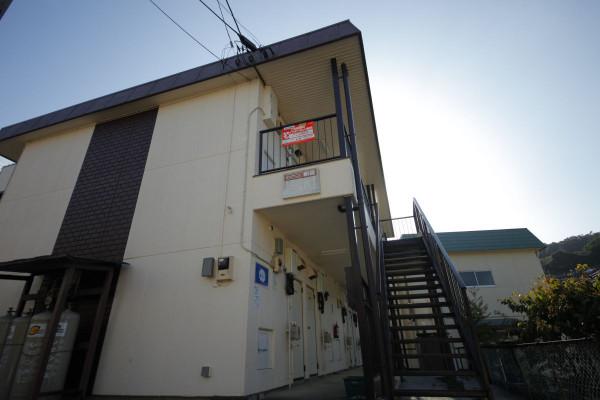 東京都のウィークリーマンション・マンスリーマンション「エスエスマンスリー 八王子 高尾2」外観画像
