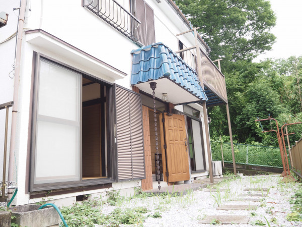 東京都八王子市のウィークリーマンション・マンスリーマンション「エスエスマンスリー八王子 犬目町一戸建て」外観画像