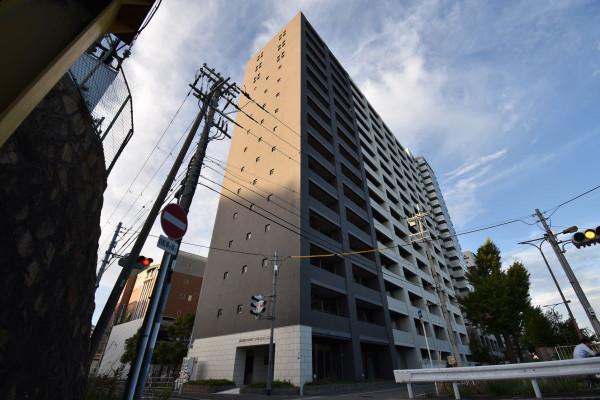 大阪のウィークリーマンション・マンスリーマンション「Kマンスリー大阪十三駅前」外観画像
