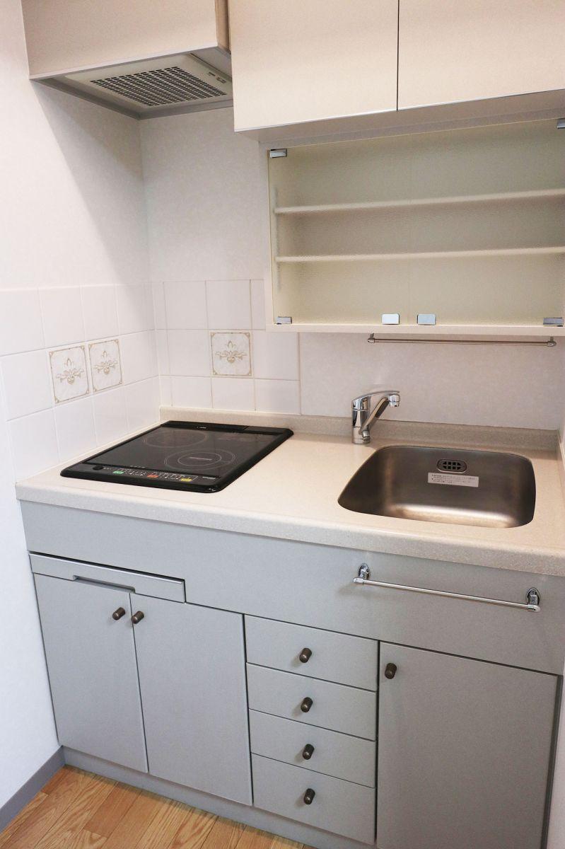 IHコンロで掃除も楽々!清潔感のあるキッチンで自炊して、おうちごはんを楽しめます♪