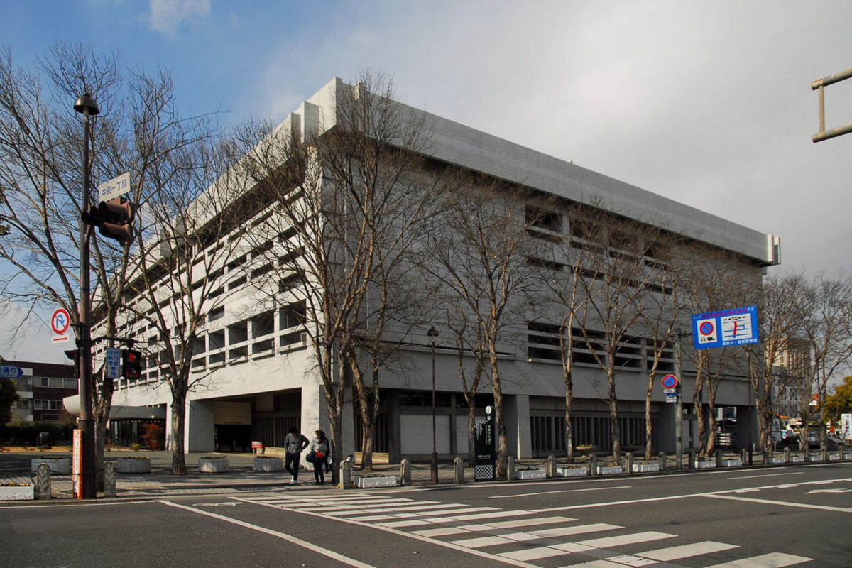倉敷市立美術館まで車で17分、7.3km。