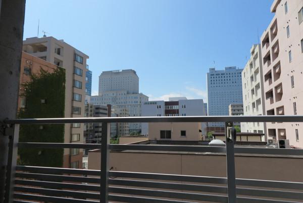 窓からの眺め(6階)です