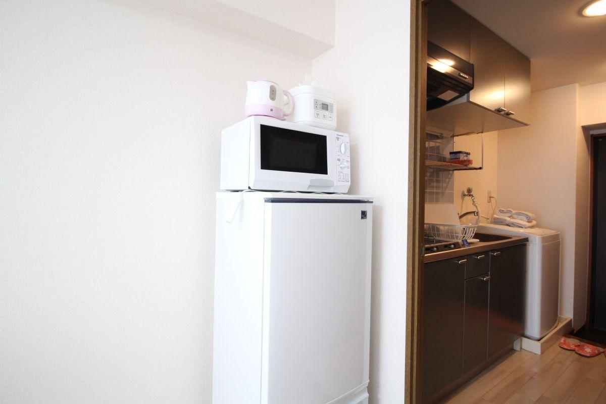 単身生活に欠かせない、冷蔵庫、電子レンジ、電子ケトル、炊飯器