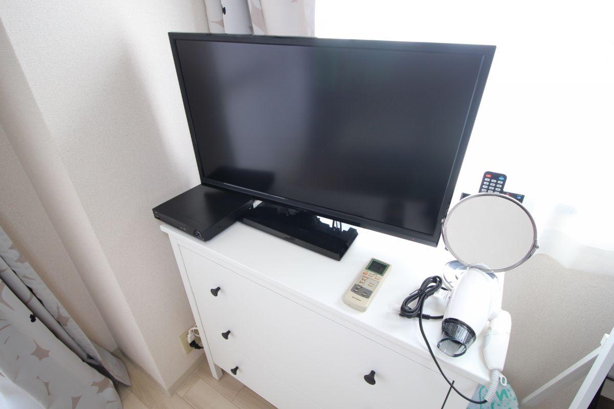 テレビ、卓上鏡、ドライヤー、DVD再生デッキ(*^-^*)