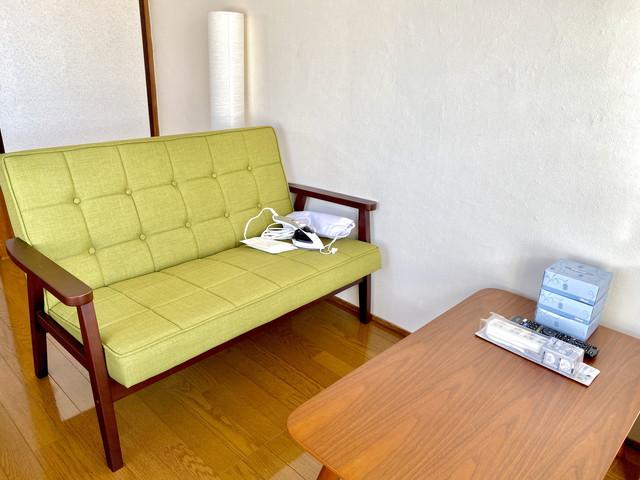 二人掛けソファー完備しています。ゆっくとお過ごしください。