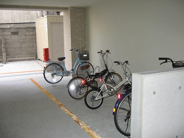 駐輪場 自転車無料です