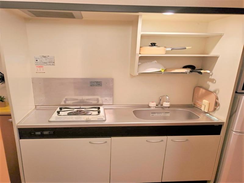 調理器具:包丁/まな板/フライパン/鍋/をご用意させてもらっております。自炊が可能です。