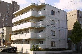 北海道札幌市白石区のウィークリーマンション・マンスリーマンション「メゾン・ド・アルブル 」メイン画像