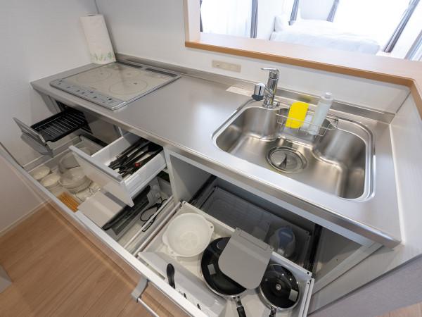 調理器具、食器もそろってます♪