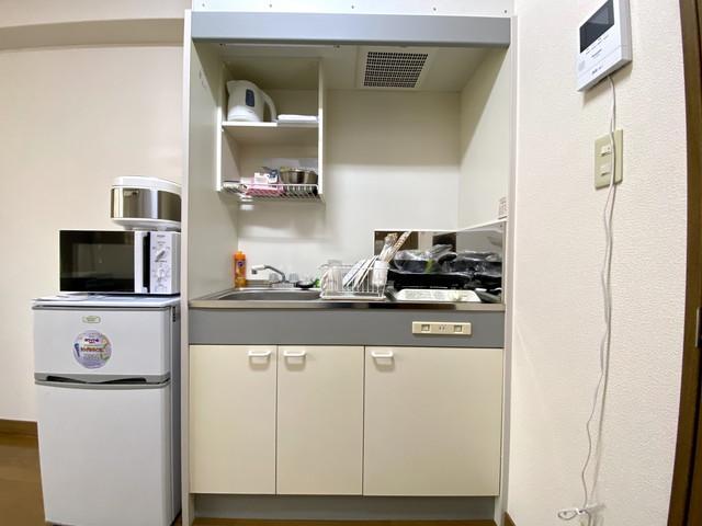 マグカップ・グラス・ボウル・ザル・スプーン・フォーク・大皿・小皿・箸・おたま・包丁・まな板等、充実した設備ご用意しております。