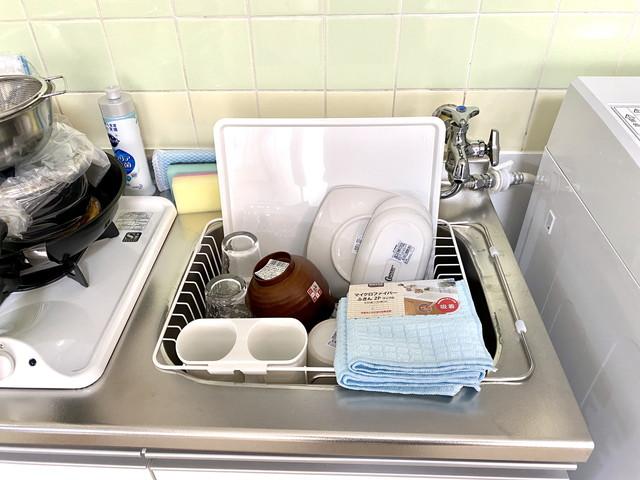 マグカップ・グラス・ボウル・ザル・スプーン・フォーク・大皿・小皿・お箸・おたま・フライ返し・茶碗・汁椀等、揃えております。