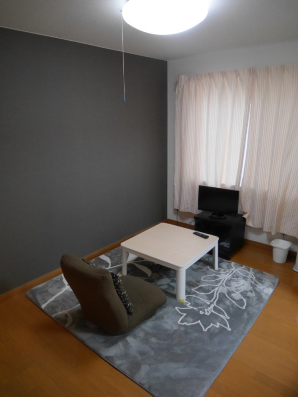 北海道札幌市白石区のウィークリーマンション・マンスリーマンション「マンスリーカラバオ白石 101・1DK」メイン画像