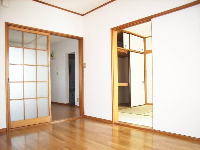 南向きで全部屋に窓あり!!日当たり良好の風通し良好のお部屋です!(^^)/