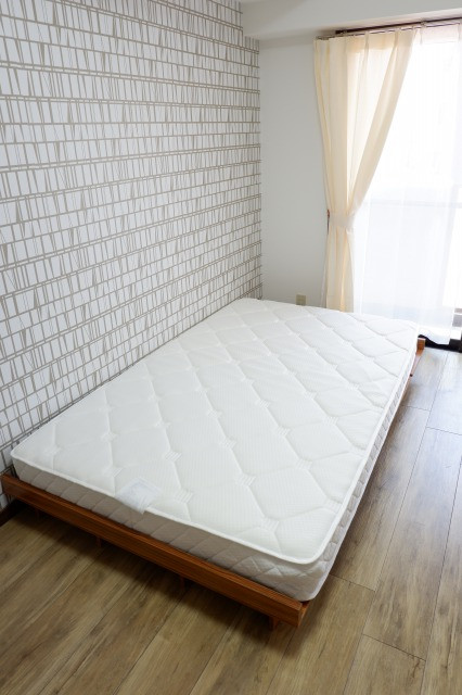 セミダブルベッド