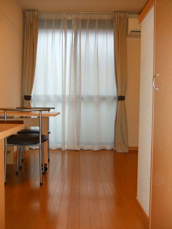 神奈川県横浜市緑区のウィークリーマンション・マンスリーマンション「レオパレスドミールⅢ 306(No.158123)」メイン画像