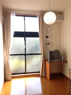 埼玉県さいたま市南区のウィークリーマンション・マンスリーマンション「レオパレスホムラ 102(No.158341)」メイン画像