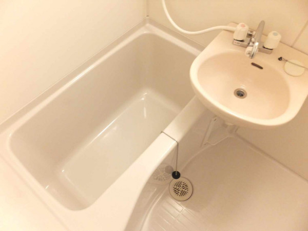 トイレと完全別なので湯船に浸かることもできます