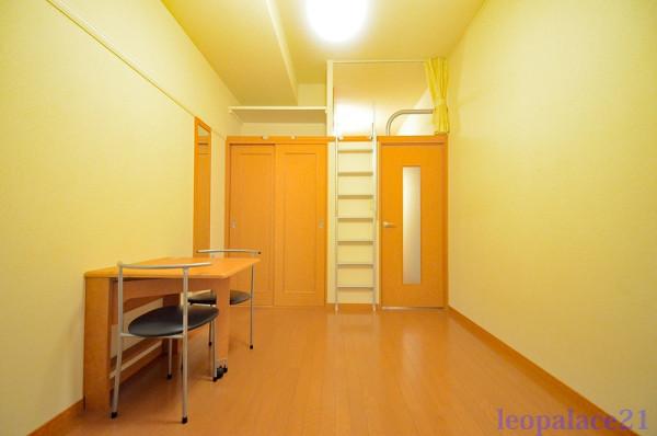 東京都稲城市のウィークリーマンション・マンスリーマンション「レオパレスヘリオードル 103(No.160598)」メイン画像