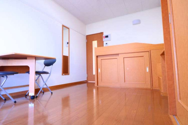 大阪府四條畷市のウィークリーマンション・マンスリーマンション「レオパレスヴィルドミール 102(No.165056)」メイン画像