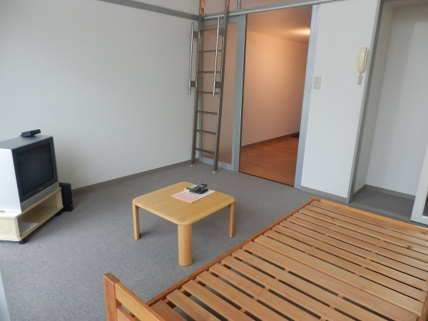 富山県のウィークリーマンション・マンスリーマンション「レオパレスFINE 103(No.166301)」メイン画像