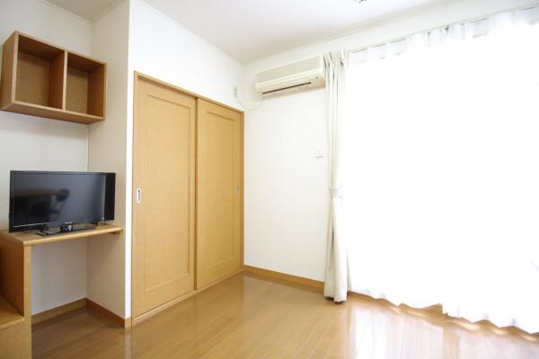滋賀県のウィークリーマンション・マンスリーマンション「レオパレスZEZE 102(No.170154)」メイン画像