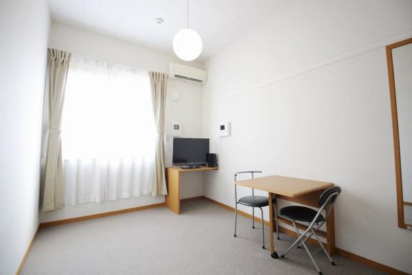 滋賀県のウィークリーマンション・マンスリーマンション「レオパレスマ メゾンⅡ 202(No.170176)」メイン画像