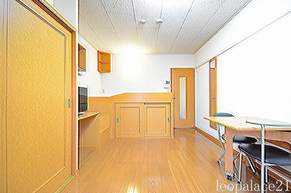 大阪府東大阪市のウィークリーマンション・マンスリーマンション「レオパレスシャルム 103(No.173052)」メイン画像