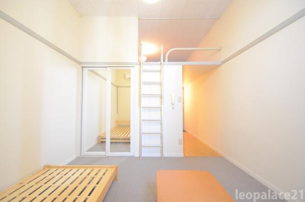 大阪府四條畷市のウィークリーマンション・マンスリーマンション「レオパレス夢2番館 207(No.200661)」メイン画像