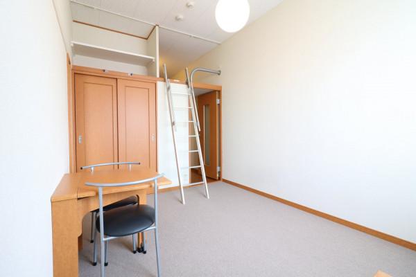大阪府枚方市のウィークリーマンション・マンスリーマンション「レオパレス隼 206(No.200778)」メイン画像