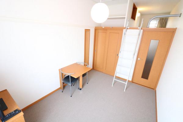 奈良県香芝市のウィークリーマンション・マンスリーマンション「レオパレスのぞみ 206(No.284767)」メイン画像