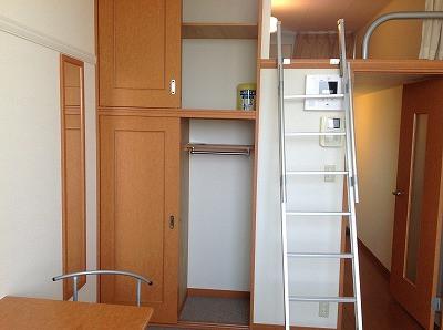 東京都三鷹市のウィークリーマンション・マンスリーマンション「レオパレスSENKAWA 205(No.309024)」メイン画像