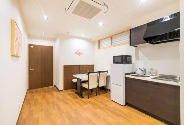 大阪の家具家電付きウィークリーマンション「桜の宿 黒門市場 401・4F R (No.312636)」メイン画像