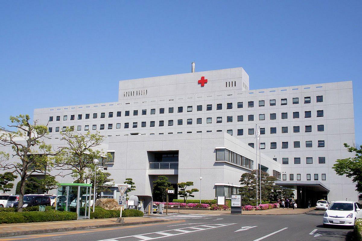岡山赤十字病院まで車で16分、5.4km。