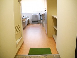 北海道札幌市白石区のウィークリーマンション・マンスリーマンション「テクノハイツ お部屋の清掃・除菌には次亜塩素酸水とアルコールを使用しています。 1R」メイン画像