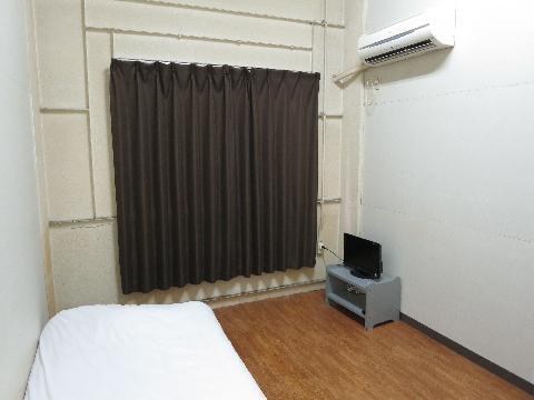 東京・川崎・横浜のシェアハウス「ゲストハウス横浜鶴見」メイン画像