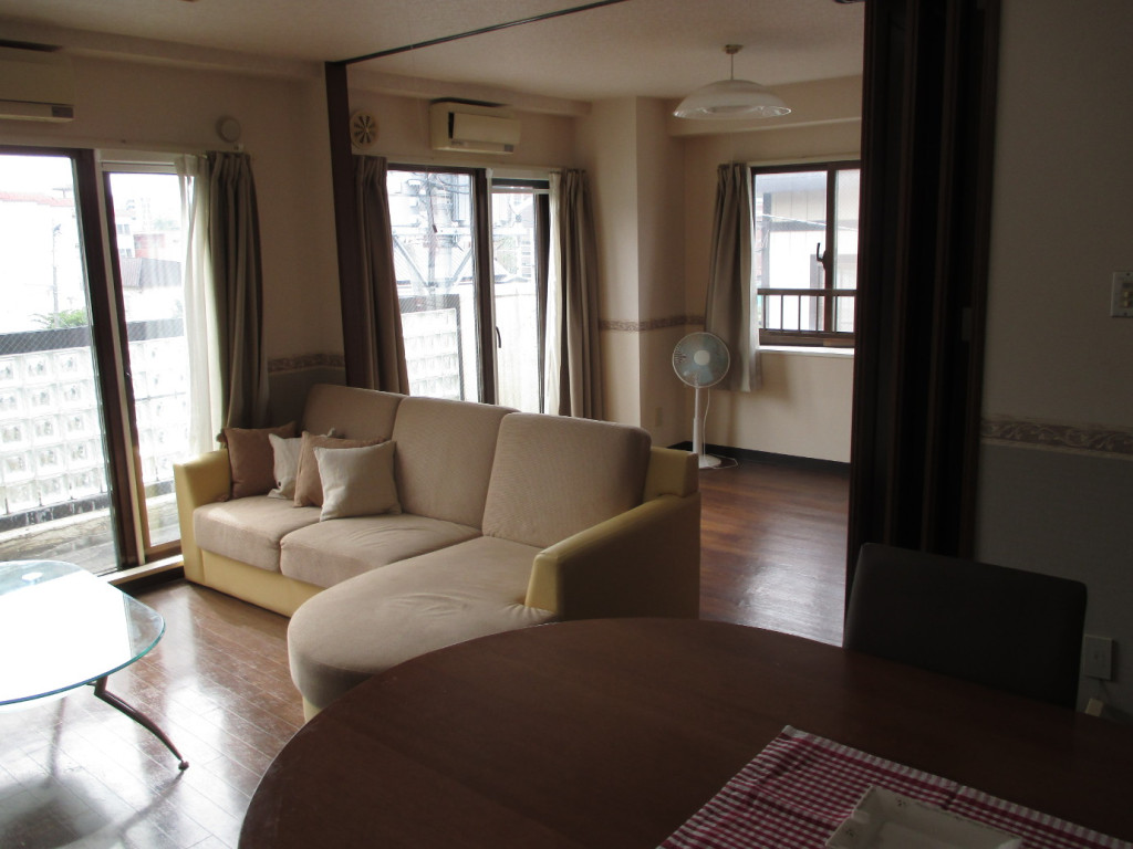 札幌市のウィークリーマンション「インペリアルエバー中島公園 お部屋の清掃・除菌にはアルコールを使用しています。 2LDK(No.367)」メイン画像