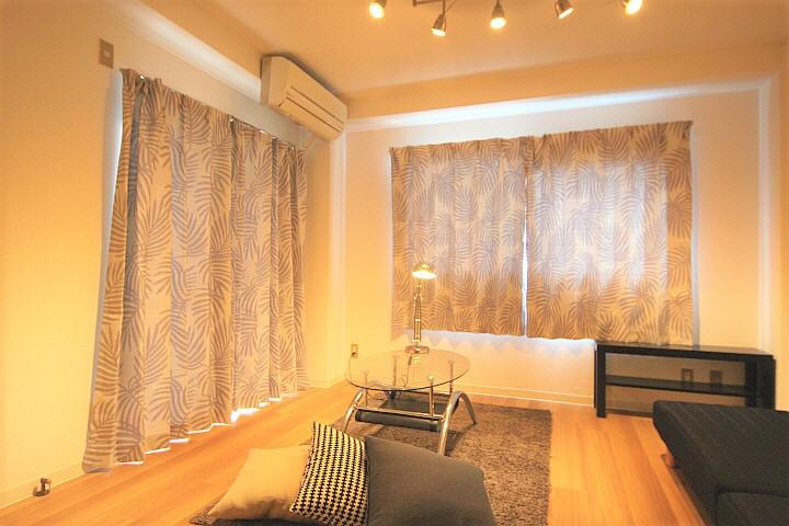 最上階角部屋のお部屋です。2面採光で日当たり、風通しも良い部屋です!