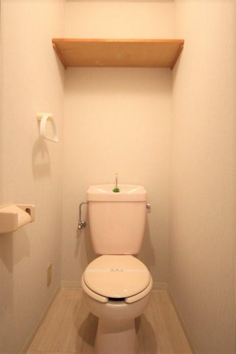 お風呂、トイレ別々のセパレートタイプでごゆっくりご利用頂けます。