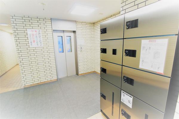 宅配BOX&エレベーターホール