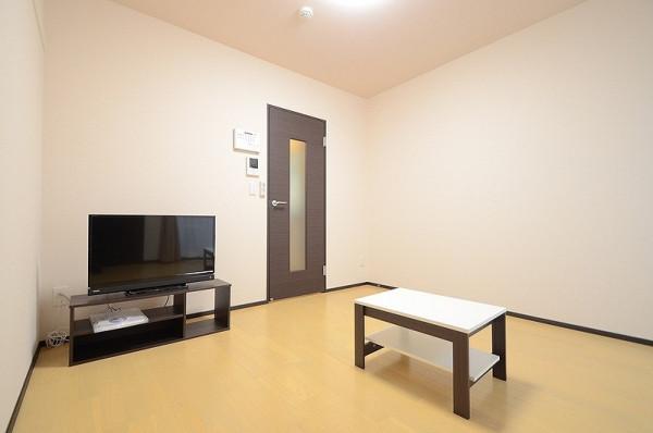 神奈川県横須賀市のウィークリーマンション・マンスリーマンション「クレイノPOP花田 104(No.378398)」メイン画像