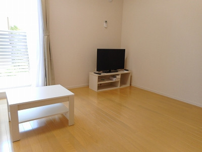 神奈川県横須賀市のウィークリーマンション・マンスリーマンション「クレイノCOLZA 203(No.378405)」メイン画像