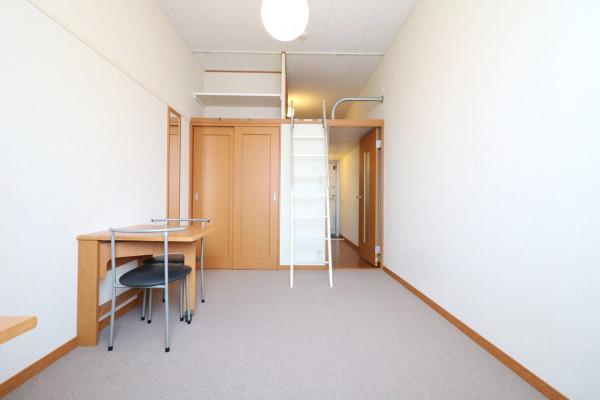 大阪府茨木市のウィークリーマンション・マンスリーマンション「レオパレスグラン ビュイッソン 215(No.378453)」メイン画像