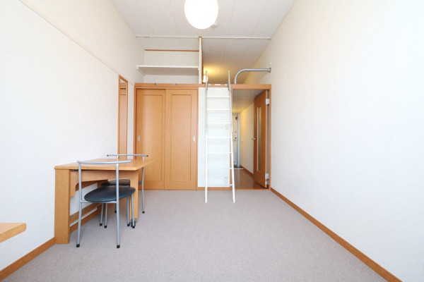 大阪府茨木市のウィークリーマンション・マンスリーマンション「レオパレスグラン ビュイッソン 315(No.378462)」メイン画像