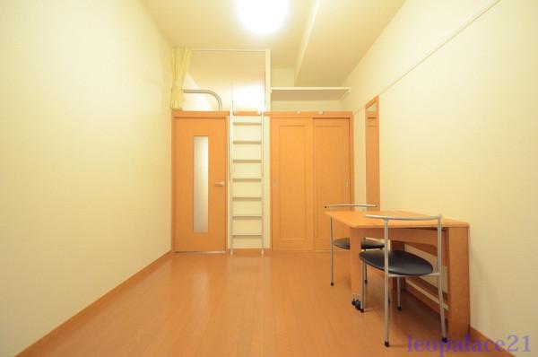 神奈川県横浜市金沢区のウィークリーマンション・マンスリーマンション「レオパレスSHINDO 102(No.395308)」メイン画像